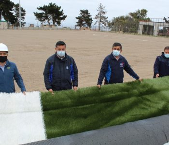 Comienzan obras finales de remodelación del estadio El Tabo que incluyen instalación del pasto sintético