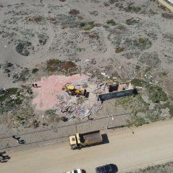 Municipio procede a la demolición de una ex Discoteque en la costanera de Playas Blancas
